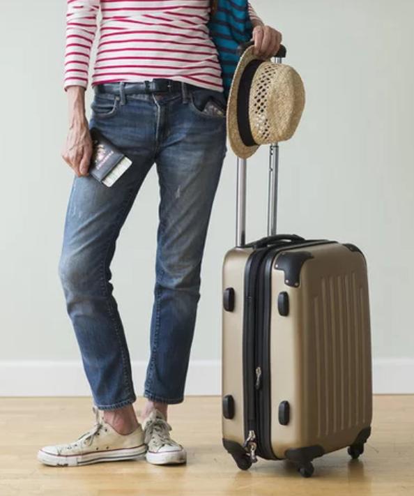 Solo bagaglio a mano, Gabriele Romagnoli